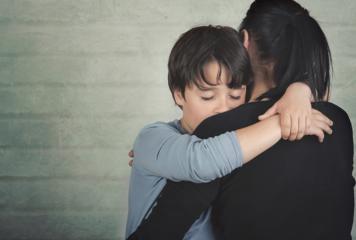 Hogyan segítsünk gyermekeinknek, ha magányosak vagy szomorúak?