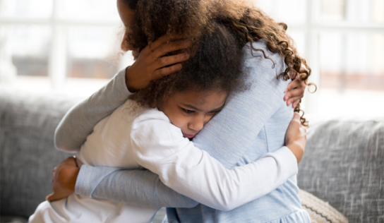 Miért szoronganak annyit a mai gyerekek? – 10 ötlet, hogyan segíthetünk nekik