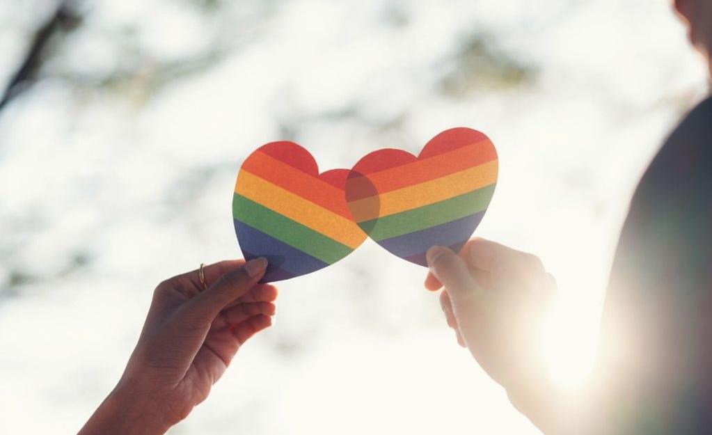 Hogyan támogassuk a gyerekünket, ha kiderül róla, hogy LMBTQ+?