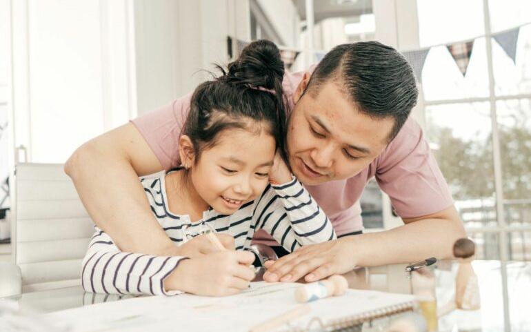 Figyelmes közbeavatkozás – Mit tegyünk, ha bajba kerül a gyerekünk?