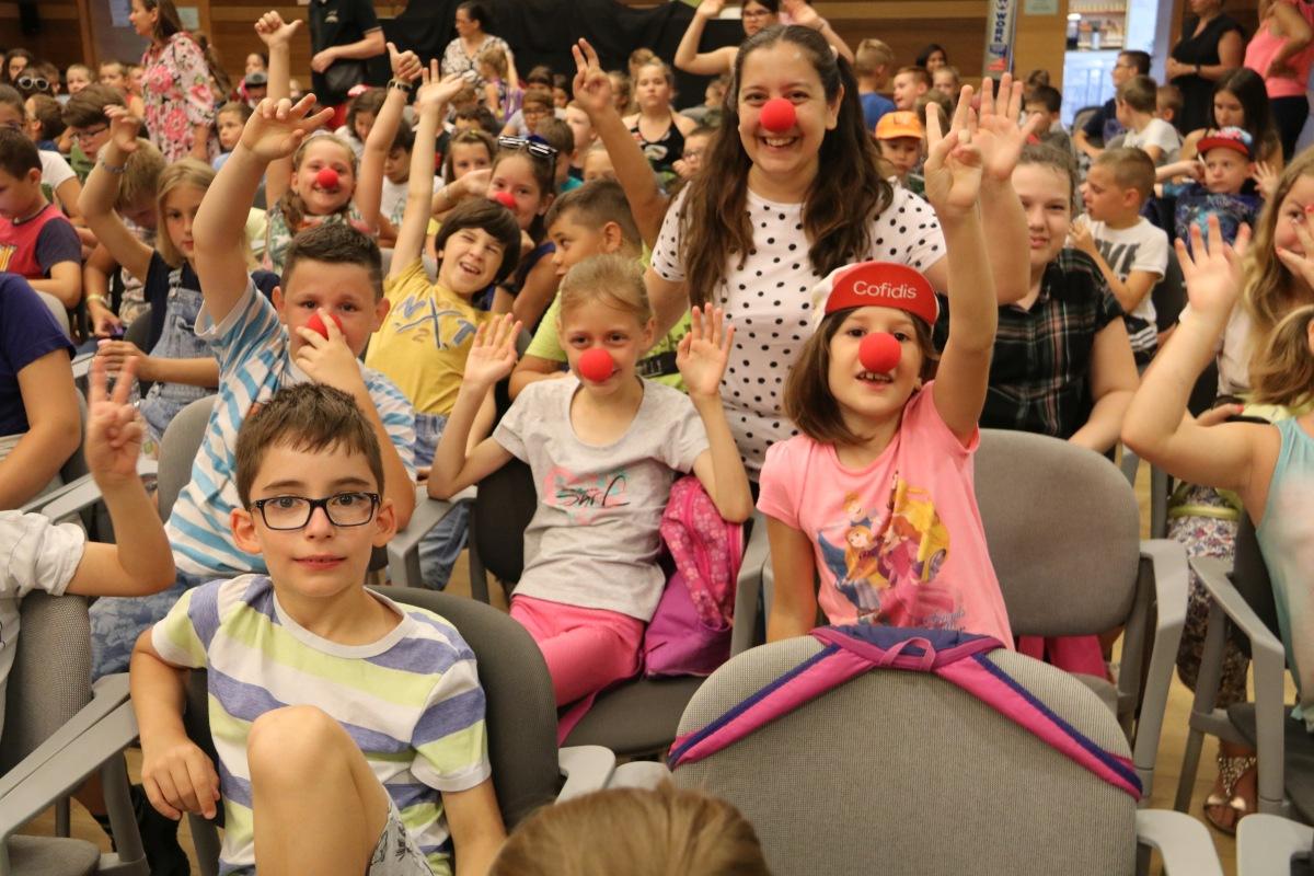 Bohócdoktorok akcióztak a nyári gyerektáborokban