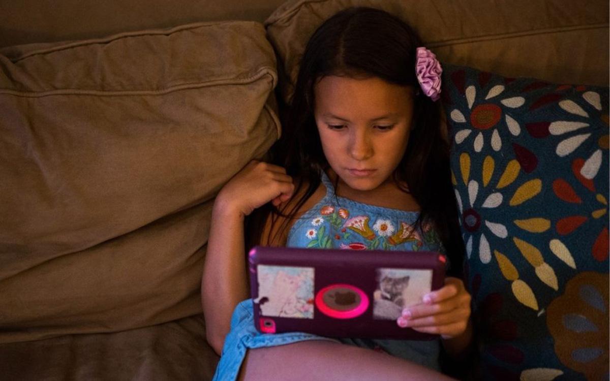 Mit tegyek, ha a gyerekem helytelen dolgot lát a neten? – Útmutató szülőknek